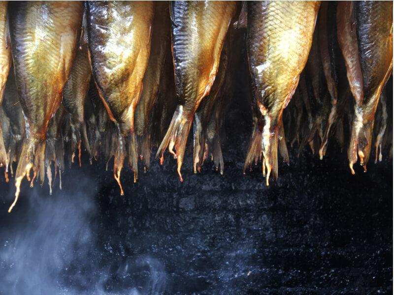 4 Benefits of Eating Smoked Fish